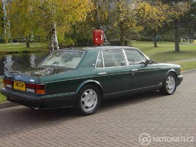 Elegantní zadek Bentley Turbo R